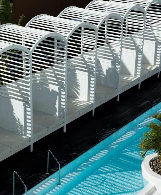 Camas balinesas Hotel Gold By Marina